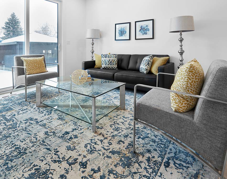 large area rug in the living room