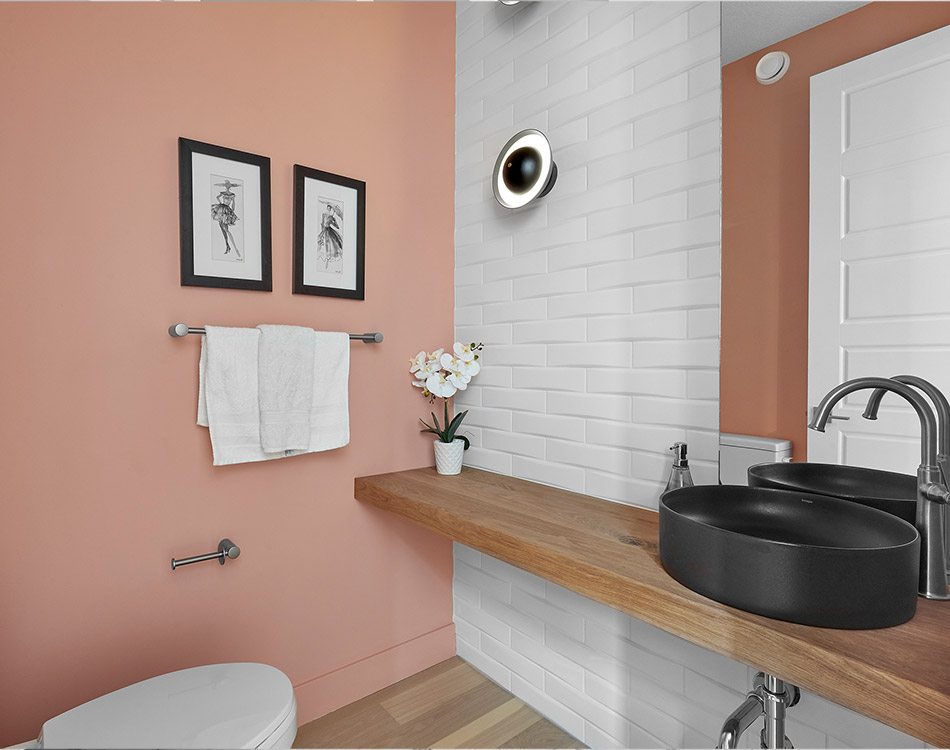 bathroom with a feature wall