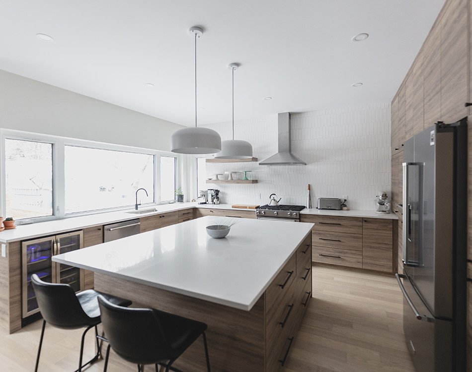 large island in the kitchen